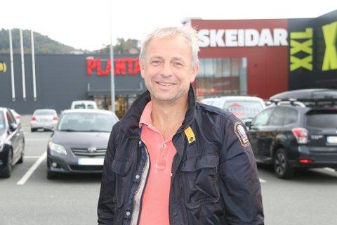 HØSTPLANER: Atle Homme arrangerte konkurranse i dødsing på Sørlandsbadet før det ble avlyst grunnet koronautbrudd. Nå ønsker han lignende aktiviteter i høst.