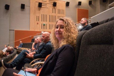 LOSJER: Unni Nilsen Husøy (Frp) vil ha svar på spørsmål rundt lokalpolitikernes styreverv og losjemedlemskap.
