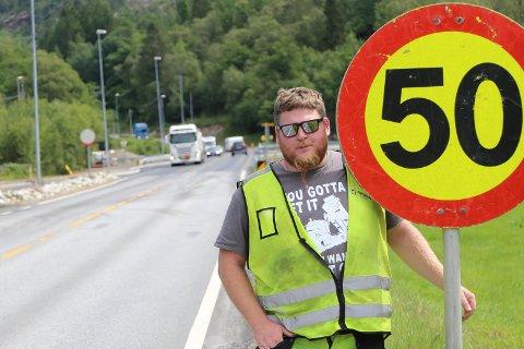 50-SONE: Under konstruksjonen av Litleåna bro, har det vært 50-sone forbi anleggsområdet hvor Aksel Årnes har jobbet.