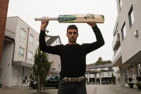 KLAR FOR TURNERING: Ahmadullah Shinwari fra Lyngdal gleder seg til å reise utenlands på turnering med landslaget i cricket.