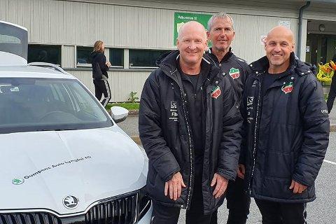 ROLLEBYTTE: Roger Foss (i midten) overtar som A-lagstrener i Lyngdal IL, mens Jan Ove Pedersen skal konsentrere seg om teenerutvikling og talentutvikling. Til høyre Rune Knutsen.