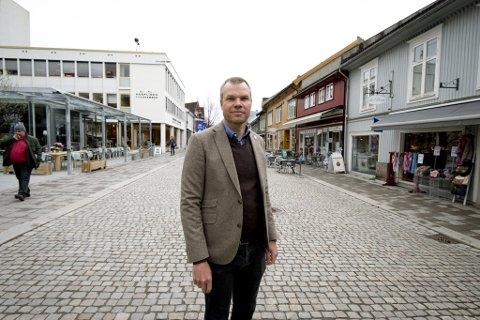 FRISKMELDT BY: I følge kommuneoverlege Morten Bergkåsa er det ikke lenger registrert covid-19-smittede i Lillehammer. - Men faren er ikke over, advarer han.