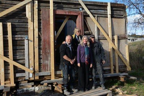 PROSESSEN: Marianne Heske (bak) sammen med tre viktige bidragsytere i prosjektet: Fv: Tom Kristiansen, Hedvig Skjørten og Andre Holt.