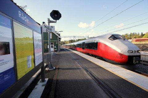 KONFLIKT: Det er fare for streik og den rammer i såfall togpassasjerene.