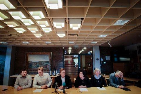 Den politiske kabalen for de neste fire år er lagt. MDG valgte Høyre, Venstre, Frp og Krf som sine samarbeidspartnere. Sindre Westerlund Mork (V), Jonas Sjolte (MDG), Tage Pettersen (H), Anne Bramo (Frp), Sissel Rundblad (H) og Halvard Sand (Krf)