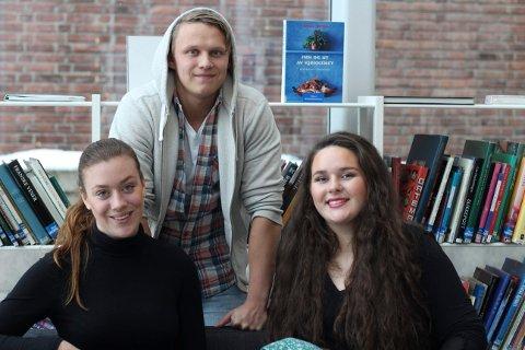 GODT SKOLEMILJØ: Maria Robertsen, Emil Håland og Mina Angeloff i elevrådet vil ha eget mobbeombud.