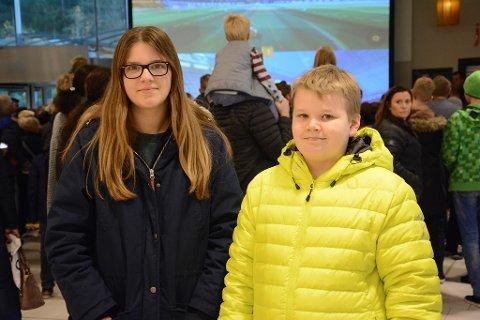 MØTTE OPP: Hedda Norwich Bertelsen og Emil Lauritzen liker både å spille Minecraft selv og se på videoer der Prebz og Dennis gjør det samme.