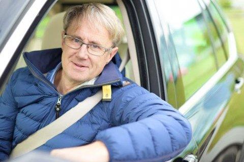 Dekningsansvarlig Bjørn Amundsen fra Saltnes kjører årlig 80.000 kilometer for å sjekke mobildekningen langs det norske veinettet.
