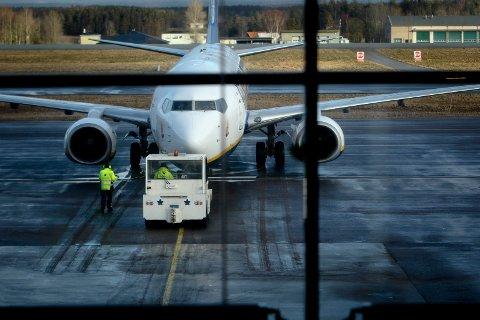 Ifølge Dagens Næringsliv åpner Regjeringen for å redde Moss lufthavn Rygge.