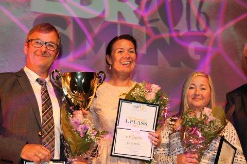 Best: Senterleder Kristin Herje Strømme flankert av Lorentz Sæter fra Amfi Surnadal og Helene Holstad fra Amfi Ulsteinvik.