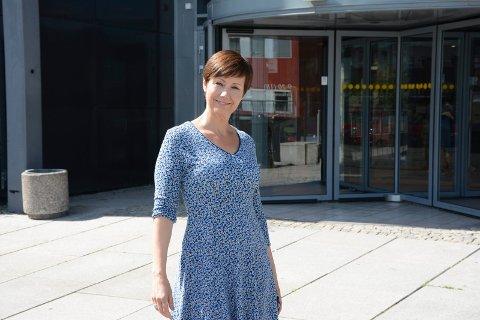 Senterleder på Amfi Lise Abrahamsen merker godt til turistene på senteret.
