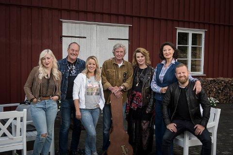 MED I HVER GANG VI MØTES: Margaret Berger, Eldar Vågan, Hanne Sørvåg, Benny Borg, Ida Maria, Åse Kleveland, Esben «Dansken» Selvig.