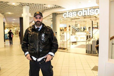 BEKYMRET: - Vi frykter at mindre synlig politi i Amfi Moss og Moss sentrum blir konsekvensen av nærpolitireformen, slik det ser ut nå, sier Anders Boye Fredriksen, tillitsvalgt for politiet i Moss.