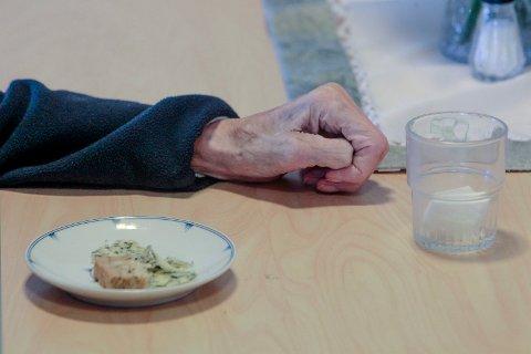 ELDREOMSORG: Det blir stadig flere eldre, og de fleste ønsker å bo hjemme så lenge som mulig.