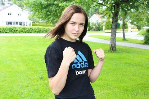 JOBBER HARDT: Madeleine Angelsen trener mellom 17 og 20 timer i uken og går i tillegg et masterstudie på fulltid i klinisk ernæring.