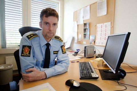 Henning Dalbye, krimsjef i Moss, sier politiet fremdeles ber om tips etter at flere eldre i Moss er blitt oppsøkt av folk som sier de jobber i Moss kommune.