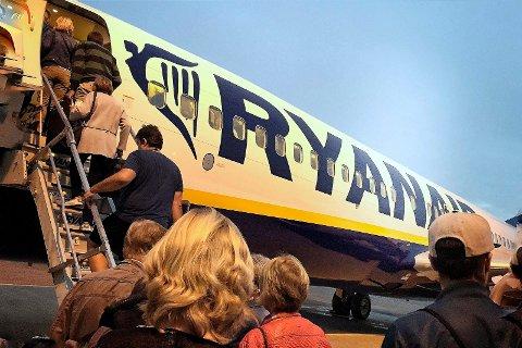 Øker: Ryanair hadde 9,3 millioner passasjerer i november.