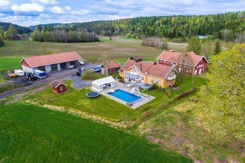 Påkostet: Haugen søndre er en svært påkostet eiendom som er priset til nær 9,4 millioner kroner