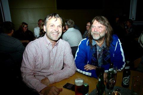 Storkoste seg: Raymond Orderud og Kjell Odvar Nilsen storkoste seg på konserten