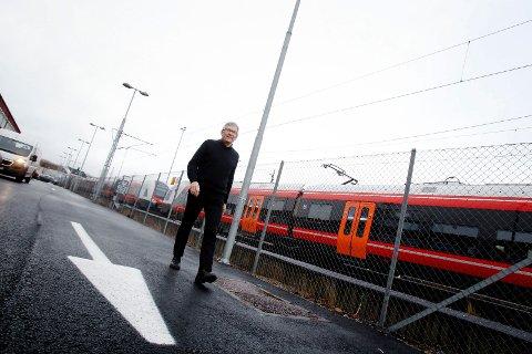 TILFREDS: Jarle Rasmussen er Jernbaneverkets prosjektsjef for utbyggingen Sandbukta-Moss-Såstad.