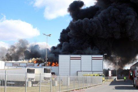 STORE VERDIER: 10.000 kvadratmeter ble berørt av den kompliserte brannen i kjølelageret på Asko.