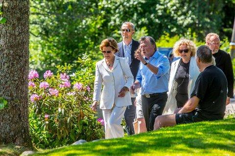 Dronning Sonja overværer åpningen av årets Momentum-biennale neste uke. Her fra Solli brug i fjor, hvor hun selv var en av tre utstillere på Sommerutstillingen.