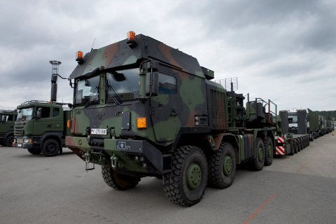 SAKTEGÅENDE: Også i dag vil militærkjøretøyer rulle gjennom distriktet.