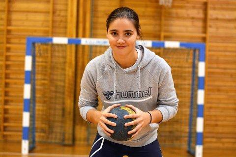 Lover å gi alt: Linjespilleren, Mathilde Granum, fra Son HK er den eneste jenta av de totalt fem lokale håndballtalendtene som er tatt ut til regional landslagssamling i Frogner idrettspark kommende uke.