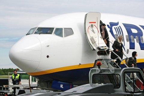 NED: Antall nordmenn som reiser til utlandet med fly går ned.