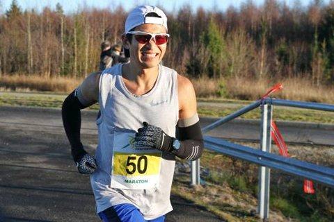 SUVEREN: Håkon Urdal viste alle ryggen under vintermaraton på Jessheim.