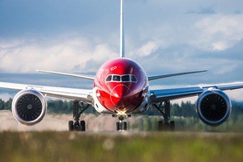 KUTTER: Norwegian må kutte kostander. Denne uken ble det kjent at selskapet legger ned en rekke flyruter og kutter ut seks baser.