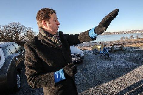 Finn-Erik Blakstad (V) er kritisk til forslag om nytt fergeanløp.