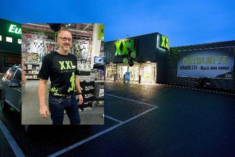 GOD FART: Ifølge varehussjef Knut Alstad er det god fart i julehandelen i sportsbutikken.