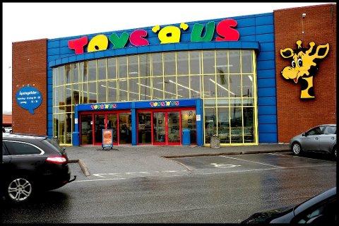 AVGJØRELSE PÅ TRAPPENE: Leketøysgiganten Toys R Us har slitt lenge. I romjulen ble selskapet Top-Toy, som eier Toys R Us og BR-leker, erklært konkurs i resten av Norden, men ikke Norge.