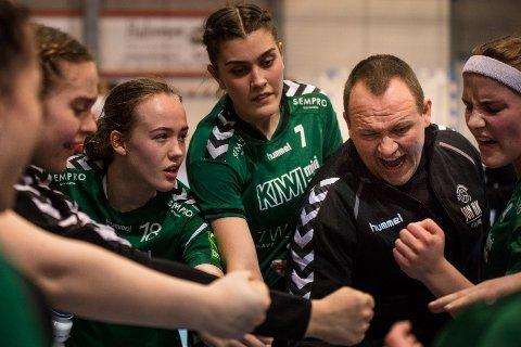 Girlpower: Sons J16-lag klinket til med full pott i serierunden i Konnerudhallen.