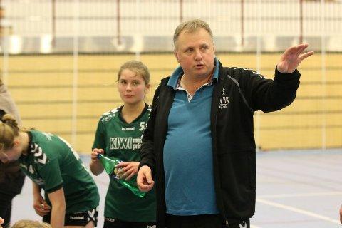 TROR: Son HK-trener Tonni Kjær tror at J16-laget hans har gode sjanser i helgens Bring-sluttspill.