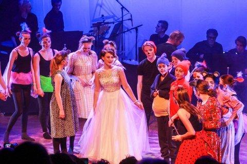 DISNEY-PERLER: Fame-linja ved Frogn Kulturskole fremførte Disney-perler på Smia i fjor.
