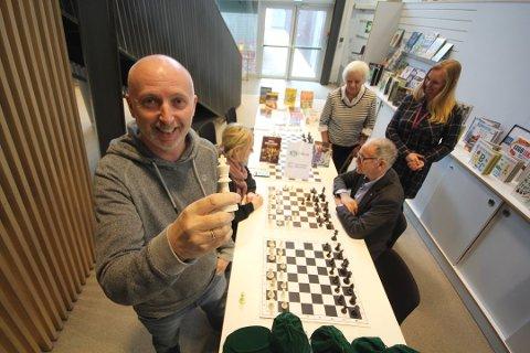 OPPLEVELSER: Barneavdelingen på Nesodden bibliotek oppgraderes med nye aktivitetsstasjoner og møteplasser for nysgjerrighet, lek og opplevelser, forteller bibliokteksjef Per Roger Sandvik.