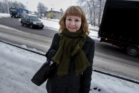 Prøveperioden med enveiskjøring i Abelsgate avdekket at trafikken flyttet seg til blant andre Solveien, skriver Lund.