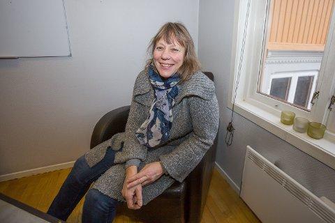 KOSTHOLD: Dorthe Johansen, ernæringsfysiolog ved Det Gule Huset i Moss, gir mossinger og andre kostholdsveiledning.