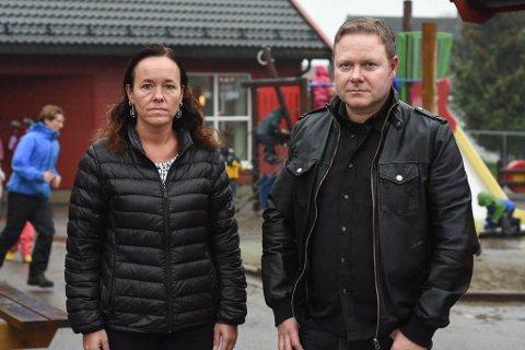 BEKYMRET: Gunn Melby Refsnes og Royne Berget i Smedhusåsen barnehage ser mørkt på de kommende årene dersom de private barnehagene i dagens Rygge kommune ikke får mer i tilskudd.