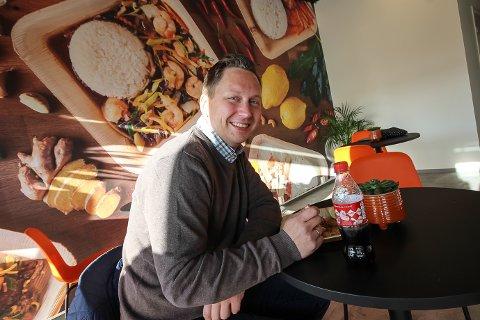 GOD MAT: Jan Håkon Jørgensen likte godt maten han fikk servert.