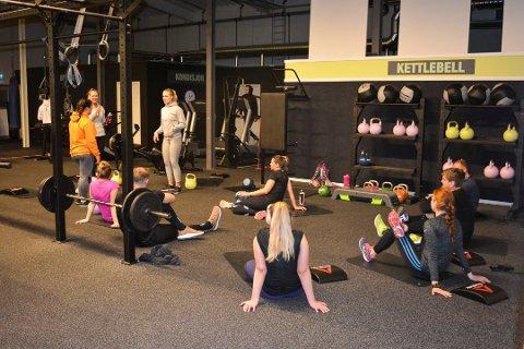 STYRKE: Styrketrening er mest populært blant unge under 24 år, og kvinner. Her fra gruppetrening på Toppform Fitness. Arkivfoto: Torgeir Snilsberg