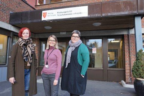 LAVTERSKEL: Mette Johansen, Ingeborg Berg Nilssen og Ragnhild Gilberg (f.v.), fra resultatområde rehabilitering i Vestby kommune, vil være ansvarlige de første gangene det nye kveldstilbudet arrangeres.