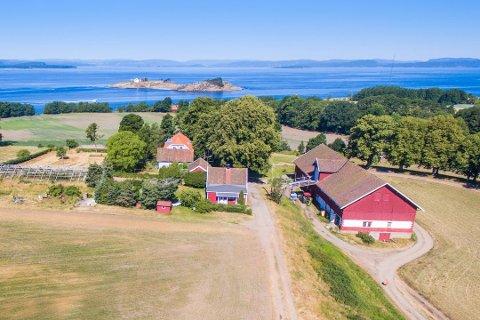 OVER TAKST: Augustenborg på Jeløy er solgt for 18,580 millioner kroner - 1,780 millioner over takst.