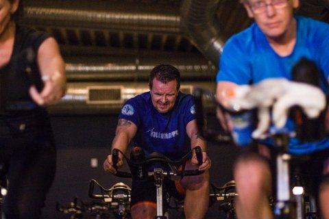 Erik-Andrè Evensen er med i Spenstkarusellen, og trener for å ha energi.