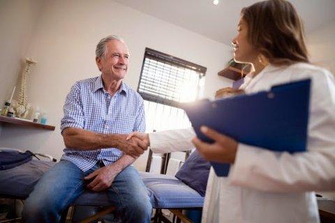 ØKER: Pasientene har mer tillit til legene nå enn før.