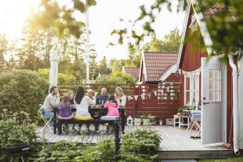 SOMMER: Mange østfoldinger blir hjemme eller drar på kortreiste turer til Sverige og Danmark denne sommeren.