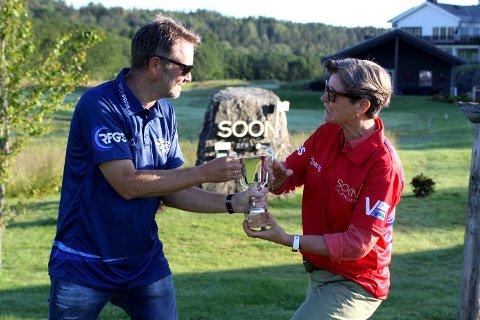 Lørdag og søndag møtes mann og kone som spiller for hver sin klubb i et rivaliseringsmesterskap mellom Soon Golfklubb og «Ruff Fairway Golf Society». Hans Christian Haugen for utbrytergruppa RFGS og kona Marianne Haugland for Soon Golfklubb.