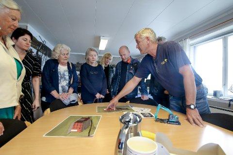 Forklarte: Ketil Svelland informerte teknisk utvalg  om planene for  den nye saneringshallen.